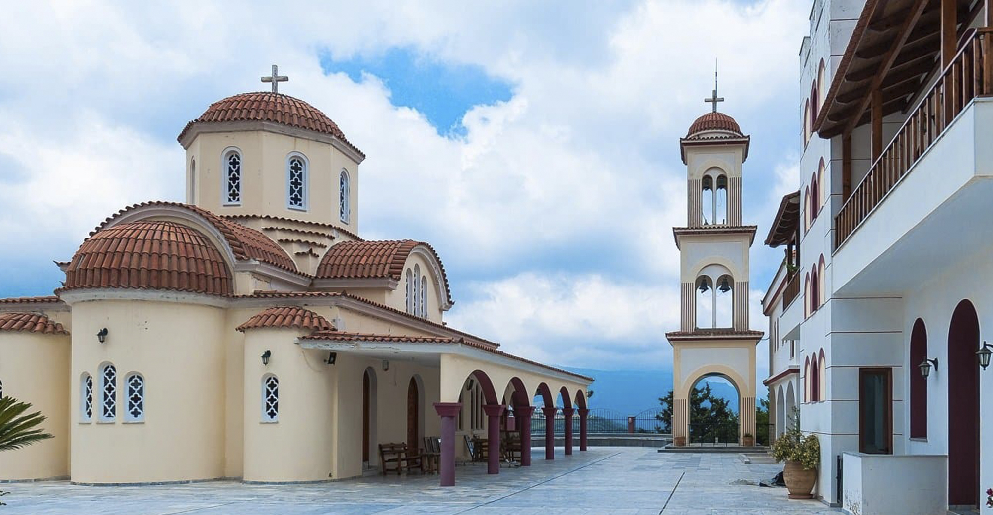 Церкви и монастыри Крита